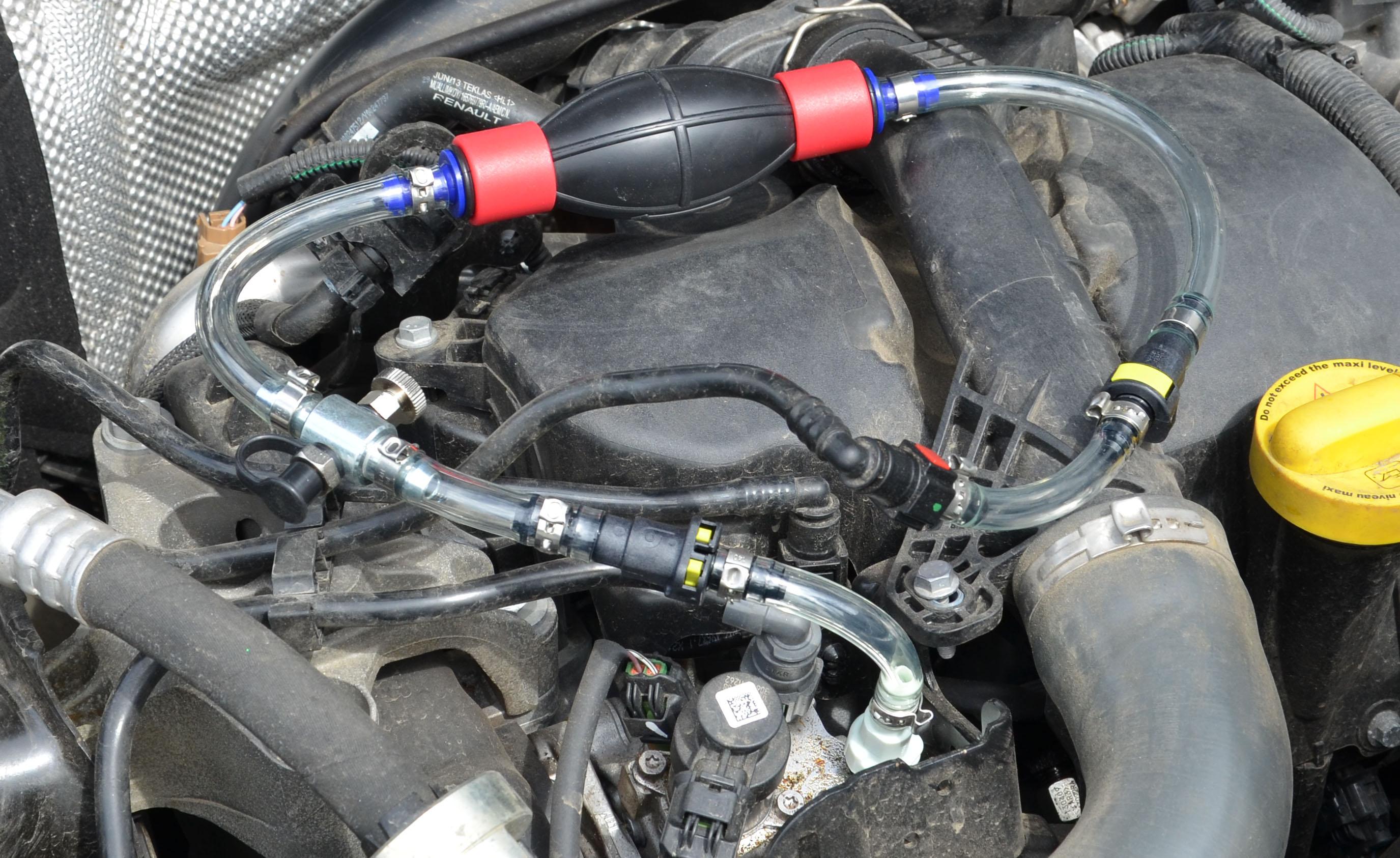 Diesel priming and bleeding kit